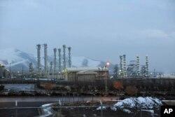 ສະຖານທີ່ ຂອງເຕົາແຍກປະລະມະນູນິວເຄລຍ ດ້ວຍນ້ຳ hydrogen ໃກ້ເມືອງ Arak ຂອງອີຣ່ານ, ວັນທີ 15 ມັງກອນ 2015.