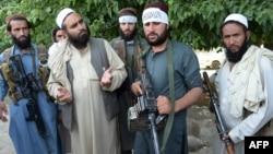 گروه طالبان بار ها مذاکره با حکومت افغانستان را رد کرده و خواستار مذاکرات مستقیم با ایالات متحده شده است.