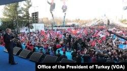 Turkiyada saylov kampaniyasi