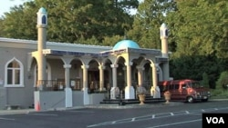 Masjid Mustafa Center ini terletak di Annandale, Virginia, tak jauh dari ibukota AS, Washington.
