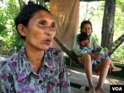 Long Thon is a farmer in Kandal provice, around 40 kilometers from Cambodia's capital city of Phnom Penh. Her family is one among the two million families facing drought. (Phorn Bopha/VOA Khmer)