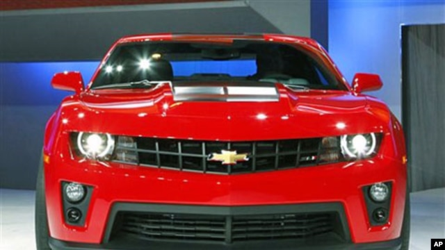 General Motors' new Chevrolet Camaro ZL1 is displayed at the Chicago Auto Show in Chicago, February 9, 2011 (file photo)