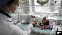 افغانستان یکی از بدترین کشورهای جهان برای مادران و کودکان زیر سن پنج سال است