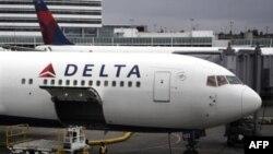 Пассажирский самолет совершил экстренную посадку в штате Колорадо