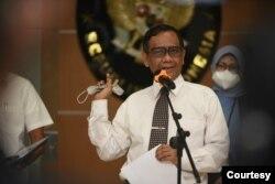 Menkopolhukam Machfud MD menyampaikan keterangan pers di Jakarta, hari Senin (20/9). (Courtesy: Biro KLI-Kemenkeu)