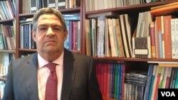 El presidente del Consejo de Economía Nacional (CEN), Efraín Velázquez, dice que el gobierno debe tomar decisiones para evitar el deterioro económico y social de Venezuela.