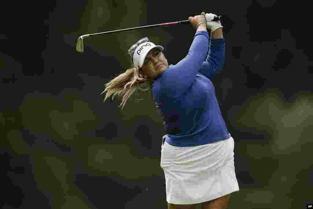 لیزت سلس بازیکن گلف آمریکایی در مسابقات اوپن بریتانیا که در نزدیکی شهرمیلتون کینز برگزار می شود.