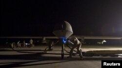 지난 2008년 파키스탄 서부 기지에서 이륙 준비 중인 미군 무인기. (자료 사진)