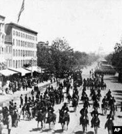 联邦士兵1865年5月在华盛顿大阅兵中游行