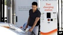 EE.UU. anuncia el establecimiento de 48 corredores nacionales para cargar vehículos eléctricos en 35 estados y el Distrito de Columbia.