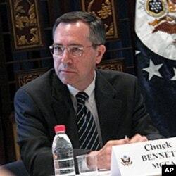 美國駐華使館公使銜參贊白智理