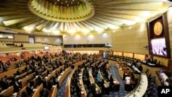 泰國國家改革委員會星期天以135票反對,105票贊成,7票棄權,否決了新憲章草案