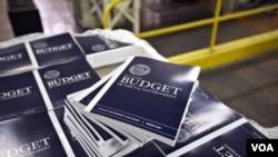 Usulan anggaran Presiden Obama sebesar $ 3,77 triliun untuk tahun 2014, akan mengubah pajak bagi orang kaya dan cara perhitungan tunjangan sosial (SSN).