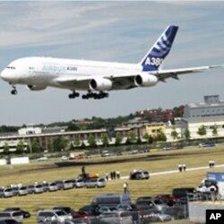 ເຮືອບິນ Airbus ລໍານຶ່ງຂອງ ຢູໂຣບ, ເຮືອບິນປະເພດນຶ່ງທີ່ ສາຍການບິນ Jet Airways ມີແຜນຈະເຊົ່າ.