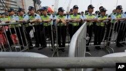 Nhiều quan ngại các giới chức Hong Kong có thể quay ra nhờ Bắc Kinh hỗ trợ để ngăn chặn các cuộc biểu tình.