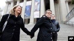 Cặp hôn nhân đồng giới Sandy Stier và Kris Perry