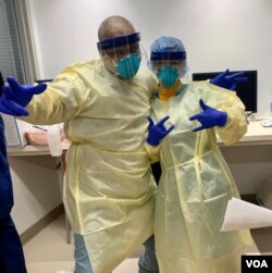 Ірина Кіт, медсестра у Нью-Йорку (справа)