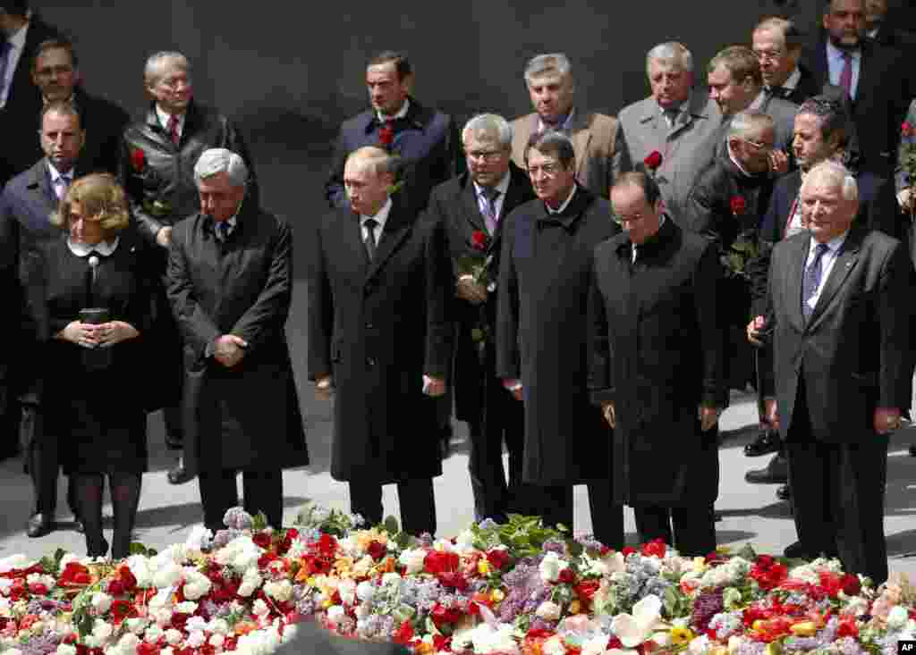 Armenia's President Sarkisian, Russian President Putin, Cypriot President Anastasiadis, French President Francois Hollande attend a memorial service in Yerevan, Armenia, April 24, 2015.