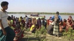برخورد یک قایق مسافری با یک کشتی باربری در بنگلادش
