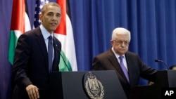 Presiden AS Barack Obama dan Presiden Palestina Mahmoud Abbas melakukan jumpa pers bersama di Ramallah, Tepi Barat (21/3).
