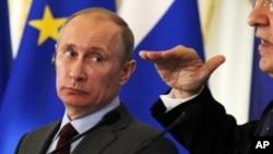 俄羅斯總統普京訪問中國前﹐星期一在俄羅斯的歐盟首腦會議新聞發布會上