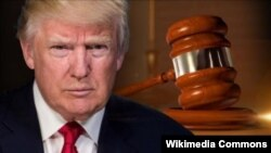 Donald Trump - gavel