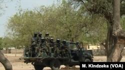 Soldats du bataillon d'intervention rapide BIR, prêts au combat à Maroua, à l'extrême nord du Cameroun, le 17 janvier 2019.
