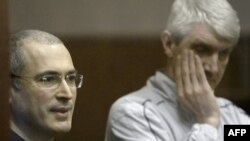 Ish-manjati rus i naftës Kodorkovski dënohet me 14 vjet burgim
