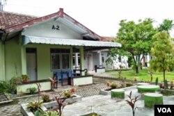 Rumah nomor A2 yang pernah ditinggali NH Dini di Yayasan Wredha Mulya, Yogyakarta. (Foto: VOA/Nurhadi)
