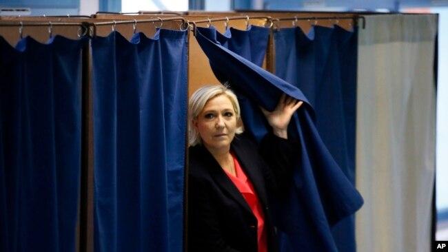 Bà Marine Le Pen.