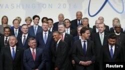"""""""Ningún grupo terrorista ha tenido éxito en obtener una 'bomba sucia' """", dijo Obama en el cierre de la Cumbre de Seguridad Nuclear en Washington. """"Pero no podemos ser complacientes""""."""
