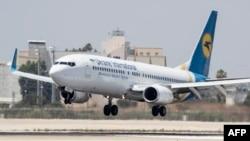 Самолет Boeing 737, аналогичный разбившемуся под Тегераном самолету (архивное фото)