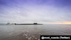 Ракетный подводный крейсер стратегического назначения (РПКСН) «Князь Владимир» выходит в Белое море из Северодвинска