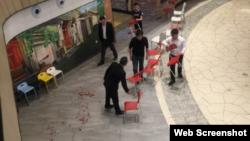 西城区西单大悦城商场持刀行凶案现场(网络图片)