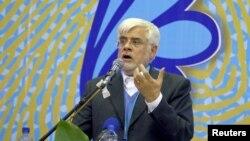 محمدرضا عارف، رئیس شورای سیاستگذاری اصلاح طلبان در انتخابات اخیر مجلس از تهران رای آورد.