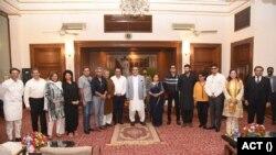 پروڈیوسر حسن ضیاء کے بقول معاہدے پر دستخط ہونا اس لیے بھی ضروری تھا تا کہ سکڑتی ہوئی انڈسٹری کو بچایا جا سکے۔
