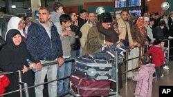 從利比亞撤出並抵達約旦的外國人