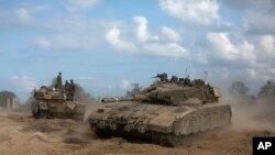 د غزه نه د رارسېدلو خبرونو ترمخه ، ځايي خلک وايي چې نن د اتوار په ورځ د اسرائيل پوځ په ساحلي پټۍ باندې سخته گوله باري کړي ده .