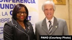 Bà Carissa Etienne, Giám đốc Tổ chức Y tế Liên Mỹ (PAHO), và Tổng thống Uruguay Tabare Vazquez.