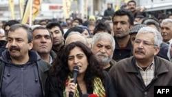 Biểu tình ở Thổ Nhĩ Kỳ phản đối quyết định của Hội đồng Bầu cử không cho các ứng viên thân người Kurd ra ứng cử