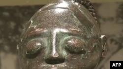 """Skulptura izložena u okviru postavke """"Dinastija i božanstvo"""""""