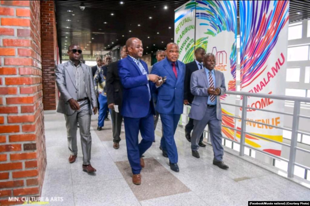 Ministre ya culture alakisami Musée national ya sika na Kinshasa, RDC, 22 novembre 2019. (Facebook/Musée national