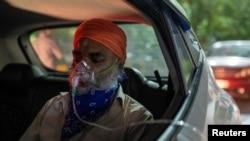 بھارت: اسپتالوں کے باہر کرونا مریضوں کی بے بسی