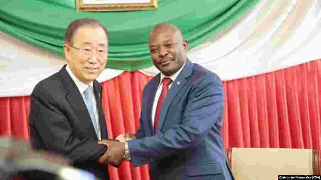 Rencontre entre Ban Ki-moon et le président burundais Pierre Nkurunziza à Bujumbura, le 23 février 2016.
