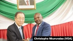 Ban Ki-moon e Pierre Nkurunziza, em Bujumbura, 23 de Fevereiro.