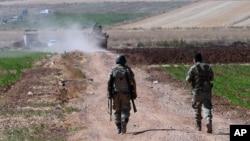 Kilis'te devriye gezen Türk sınır muhafızları