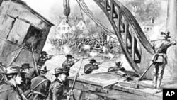 1894年联邦军队进入芝加哥与普尔曼工厂的罢工工人作战