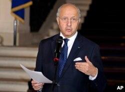 法国外长法比尤斯在和乌克兰、俄罗斯、德国外长开会后对记者发表谈话