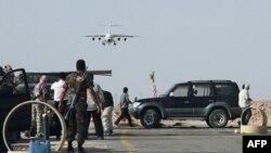 'NATO Uçakları Trablus'u Vurdu'