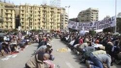نماز جمعه معترضین مصری در میدان تحریر